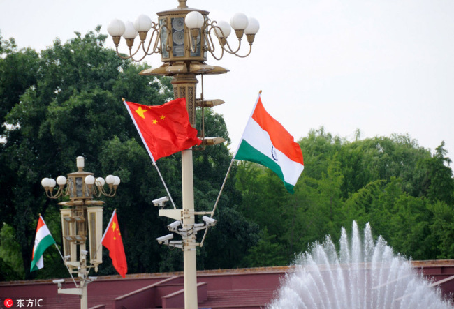 National flags of China and India [File Photo: IC]