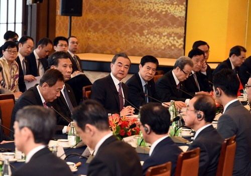 Chinese State Councilor and Foreign Minister Wang Yi co-chairs the fourth high-level economic dialogue between China and Japan with Japanese Foreign Minister Taro Kono in Tokyo on April 16, 2018. [Photo: fmprc.gov.cn]