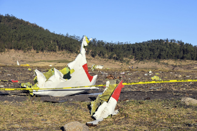 Wreckage lies at the crash site of Ethiopia Airlines Boeing 737 Max 8 en route to Nairobi, Kenya, near Bishoftu, Ethiopia,March 10, 2019. [Photo: IC]