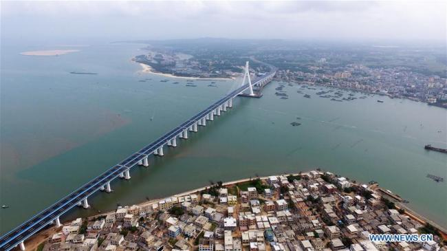 Aerial photo taken on March 18, 2019 shows the Haiwen Bridge, Hainan Province. The cross-sea bridge, which was built over seismic faults, officially started operation on Monday. [Photo: Xinhua/Guo Cheng]