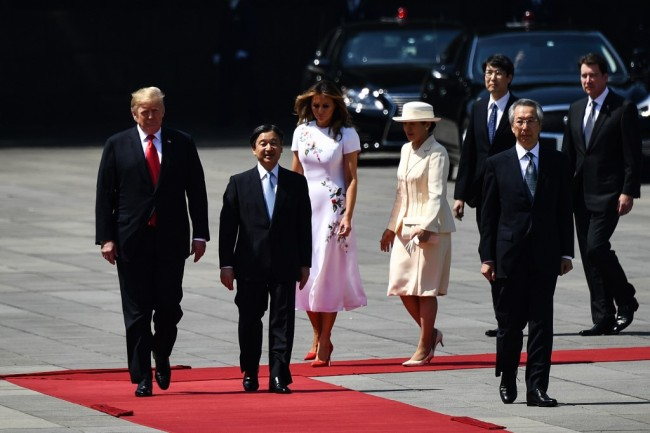 US President Donald Trump, First Lady Melania Trump are accompanied by Japan's Emperor Naruhito and Empress Masako during a welcome ceremony at the Imperial Palace in Tokyo on May 27, 2019. [Photo: AFP]