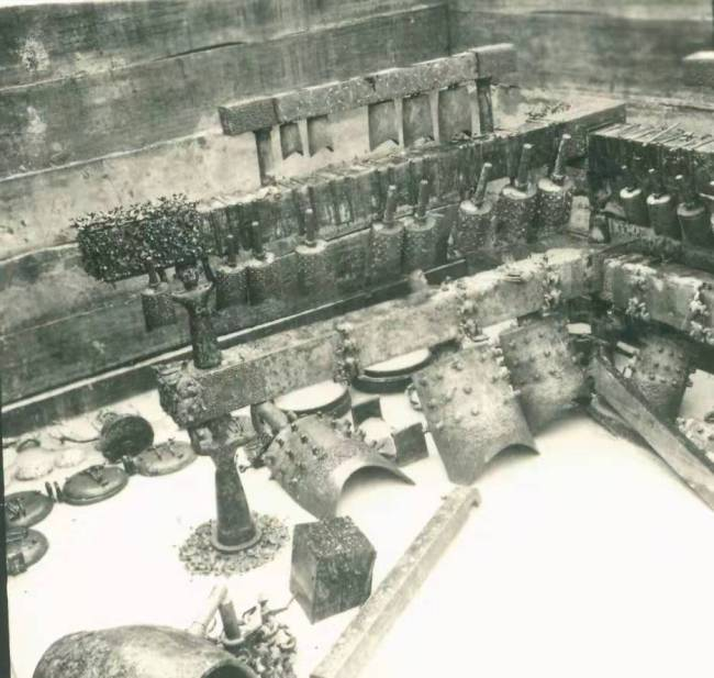 The Zenghouyi Chime Bells in the tomb in 1978. [File photo provided by Hubei Provincial Museum]