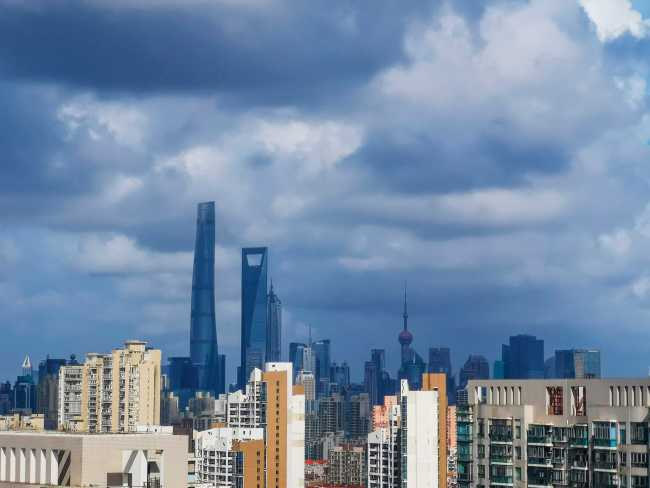 Photo taken on Aug. 8, 2019, shows the sky above Shanghai ahead of the landing of Typhoon Lekima. The powerful typhoon will bring strong winds and rainstorms to Taiwan, Shanghai and the provinces of Zhejiang, Jiangsu and Shandong. [Photo: IC]