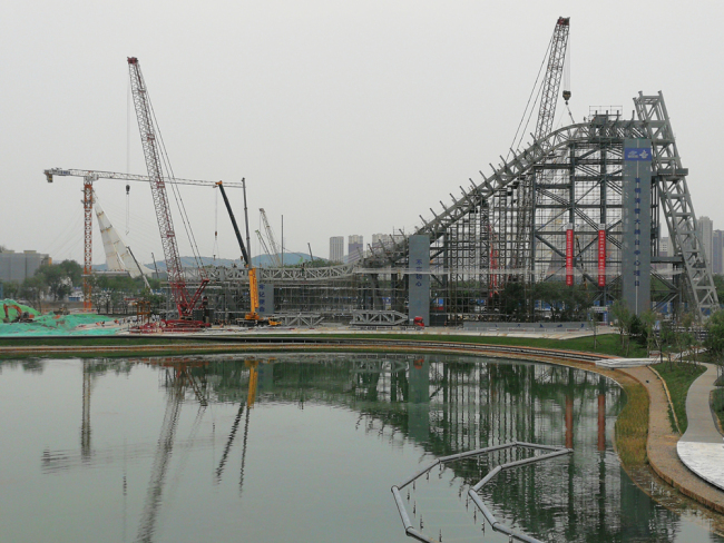 The ski-jumping platform for Beijing 2022 Winter Olympics is under construction, at the high-end industry comprehensive service area of new Shougang Group, at Shijingshan District, on July 24, 2019. [Photo: IC]