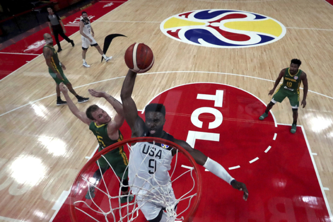 United States' Jaylen Brown prepares to dunk during a match against Brazil for the FIBA Basketball World Cup at the Shenzhen Bay Sports Center in Shenzhen on Monday, Sept. 9, 2019. [Photo: IC]