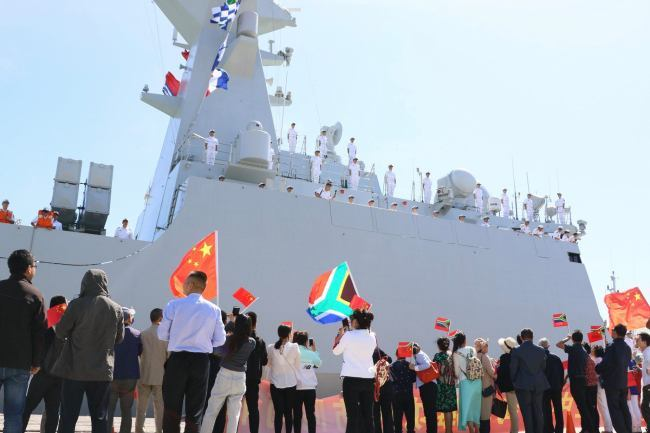 The Chinese multi-role frigate Weifang (550) docks at Cape Town harbour for a joint exercise in southern African waters with South African Navy's frigate SAS Amatola (F145) and Russian Navy's missile cruiser Marshal Ustinov (055) on November 25 2019. [Photo: China Plus]